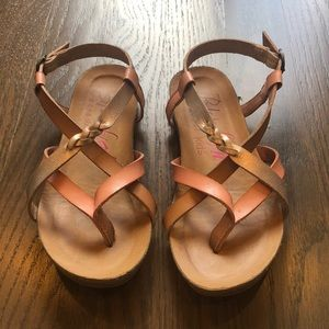 Size 12 girls pink and rose gold sandals.